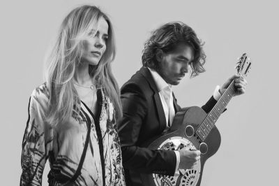 Foto_The_Common_Linnets_-_fotograaf_Michel_MAlder